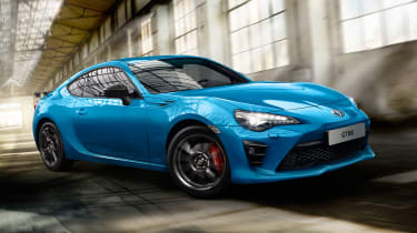 Toyota GT86 Club Series Blue Edition – front quarter