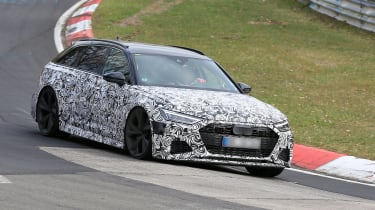Audi RS6 Avant spied 2019 (body-on) - cornering