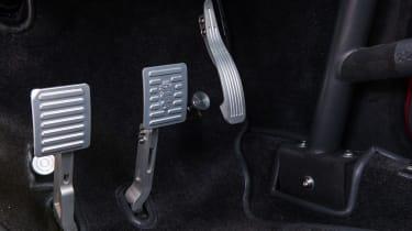 Alfaholics GTA-R 270 – pedal box