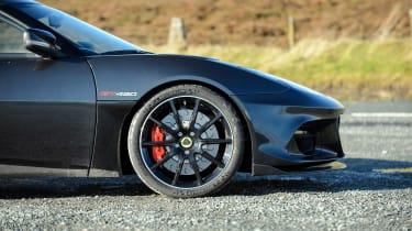 Porsche 911 GT3 vs Lotus GT430 - wheels