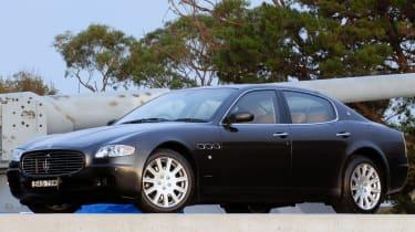 Maserati Quattroporte - side