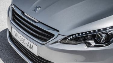 New Peugeot 308 front grille