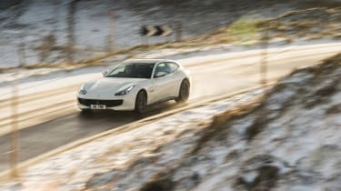 Ferrari GTC4 Lusso T - turning