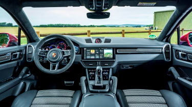 Porsche Cayenne Turbo S e-hybrid – interior 2