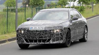 Next generation BMW 7-series spied – front quarter