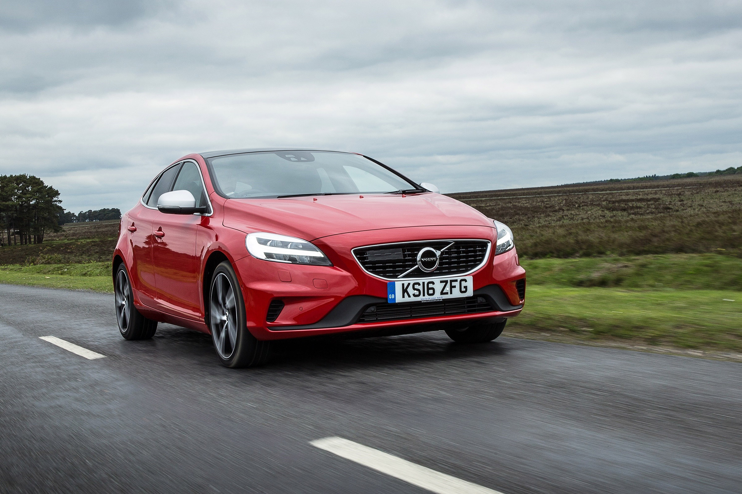 Volvo V40 Review Prices Specs And 060 Time Evo