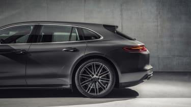 Porsche Panamera Sport Turismo - rear wheel