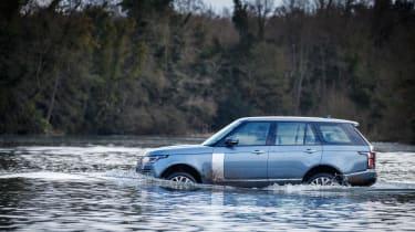 Range Rover P400e PHEV wading