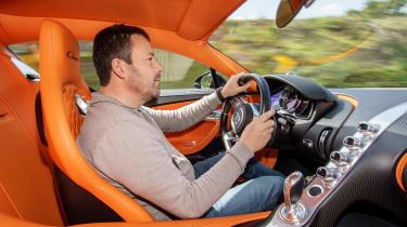 Bugatti Chiron - Dickie driving
