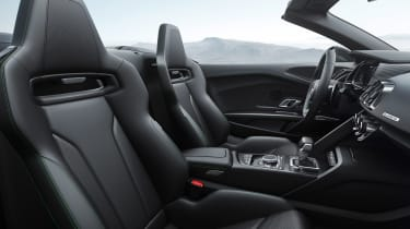 Audi R8 Plus Spyder - interior