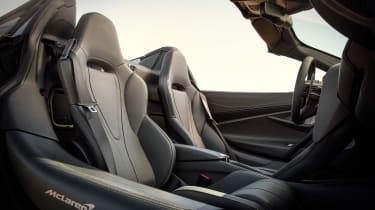 McLaren 720S Spider gold - seats