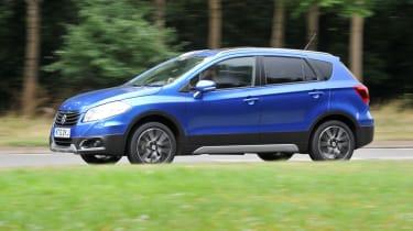 Suzuki SX4 S-Cross boost blue