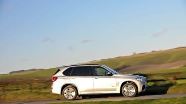 BMW X5 40e - profile