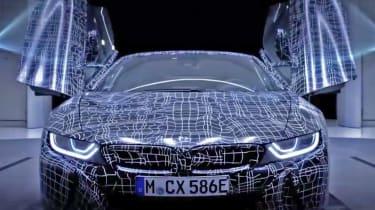 BMW i8 Spyder - teaser doors