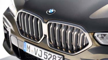 New BMW X6 grille
