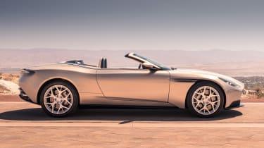 Aston Martin DB11 Volante - roof up