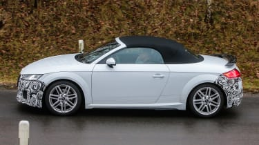 Audi TT spy - roadster profile