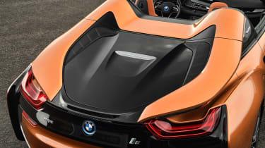 BMW i8 Roadster - rear deck