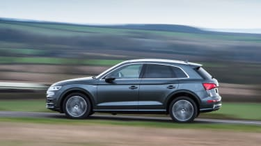 Audi Q5 - side profile