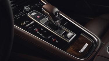 Porsche Panamera Sport Turismo - gear shifter