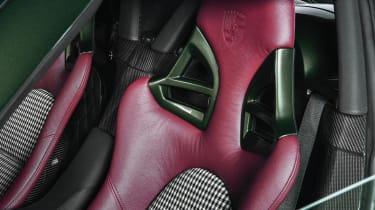 Porsche Carrera GT by Porsche Classic - seat