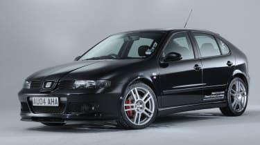 SEAT Leon Cupra R, black front view