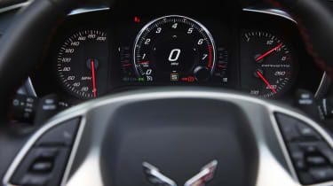 Chevrolet C7 Corvette Stingray - dash