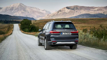 BMW X7 - rear