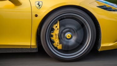 Ferrari 458 Speciale and 911 GT3 - wheel