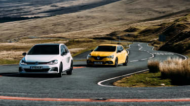 VW GTI TCR vs Megane RS Trophy - header