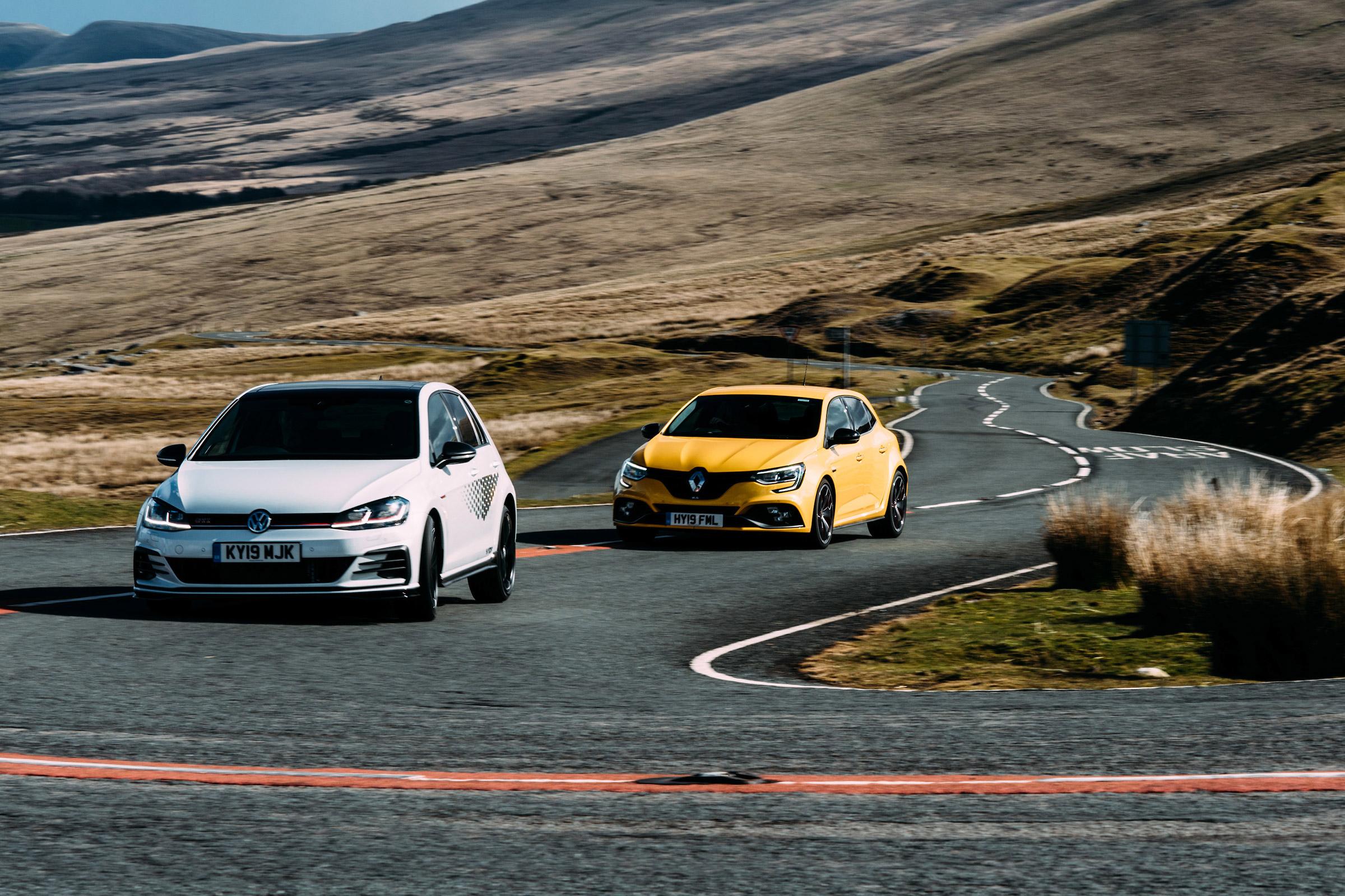 VW Golf GTI TCR vs Renaultsport Megane RS Trophy – extra hot