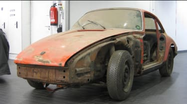 Porsche 911 barn - before