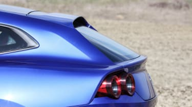 Ferrari GTC4 Lusso T - rear light