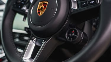 Porsche Cayenne Turbo - Steering wheel