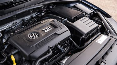 Volkswagen Golf R - engine