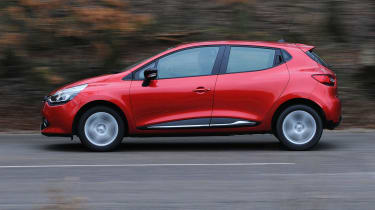 2013 Renault Clio red side profile