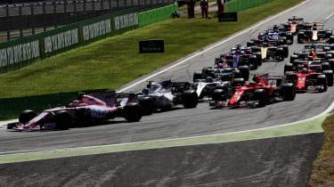 Formula One Round 13 - First turn 2