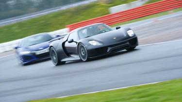Honda NSX and Porsche 918 – cornering