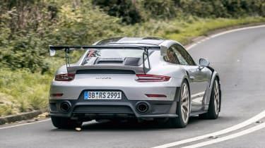 Porsche 911 GT2 RS - rear dynamic