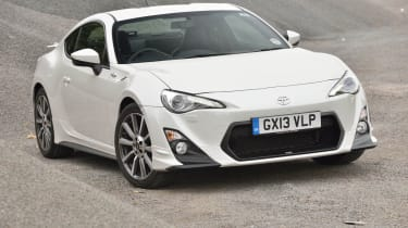 Toyota GT86 TRD white front