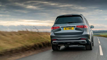 Mercedes GLS400d UK drive - rear tracking