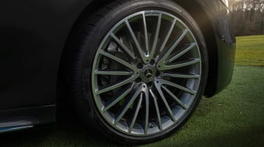 Mercedes S-class – wheel