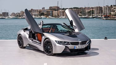 BMW i8 Roadster - doors