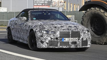 BMW M4 Cabriolet spied 2020 - front quarter