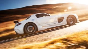 Porsche 911 GT2 RS & Mercedes-Benz SLS AMG Black Series - gullwing