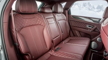 Bentley Bentayga V8 – rear bench