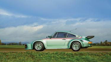 Porsche 935 Turbo side