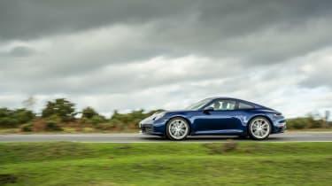 Porsche 911 Carrera S manual blue - profile