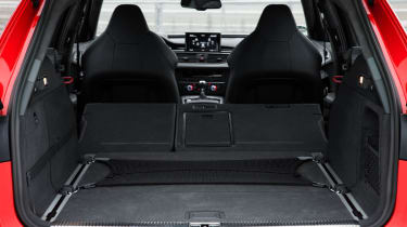 2013 Audi RS6 Avant boot space load bay