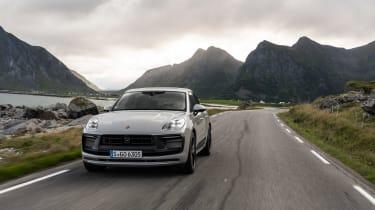Porsche Macan GTS 2021 – front tracking